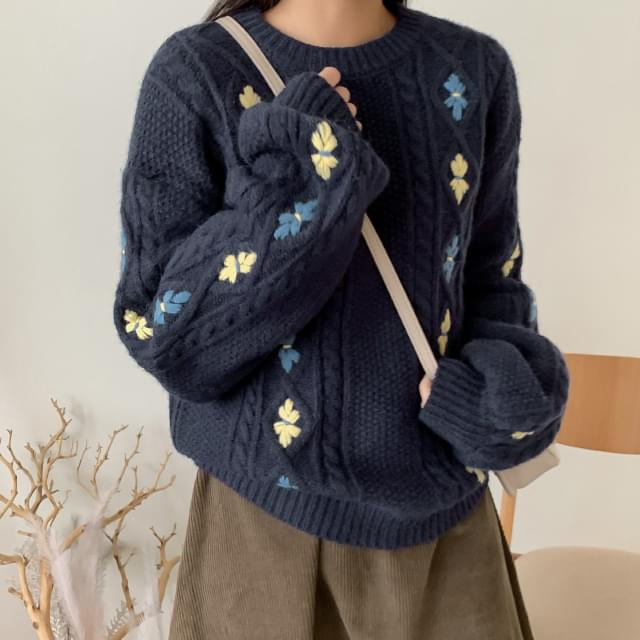 Lovely Flower Embroidery Knit-knit