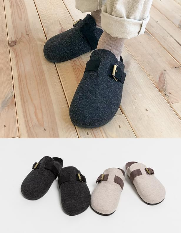 Clay buckle slippers