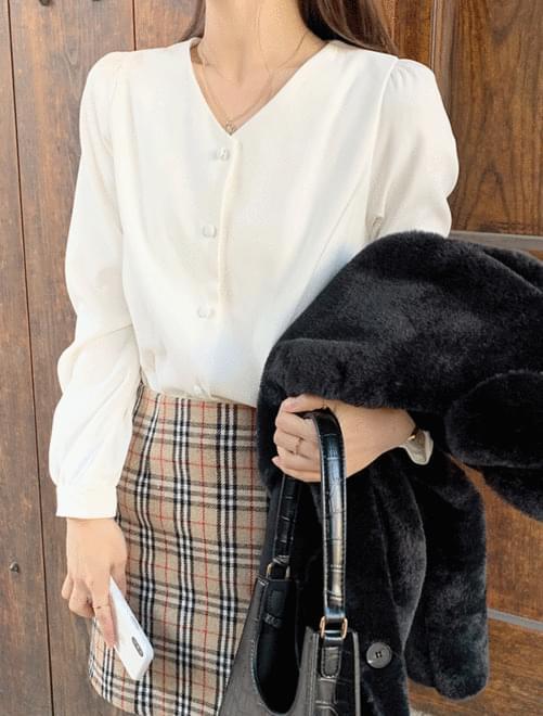 Lady peach blouse