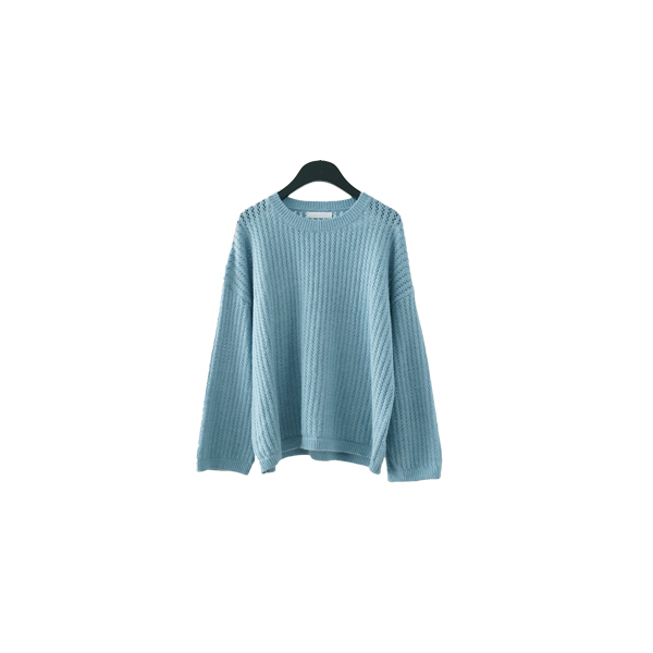 soft punching knit top