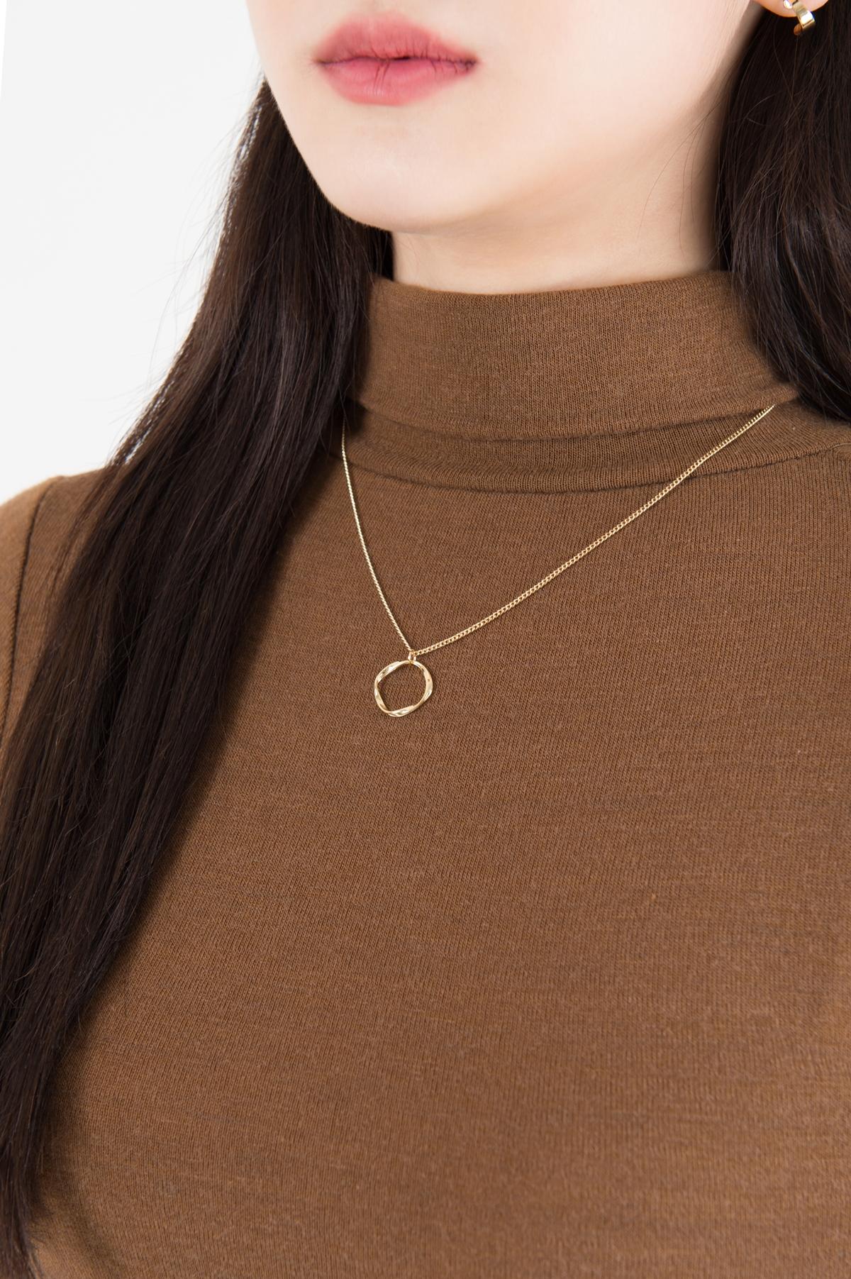 Moir simple necklace