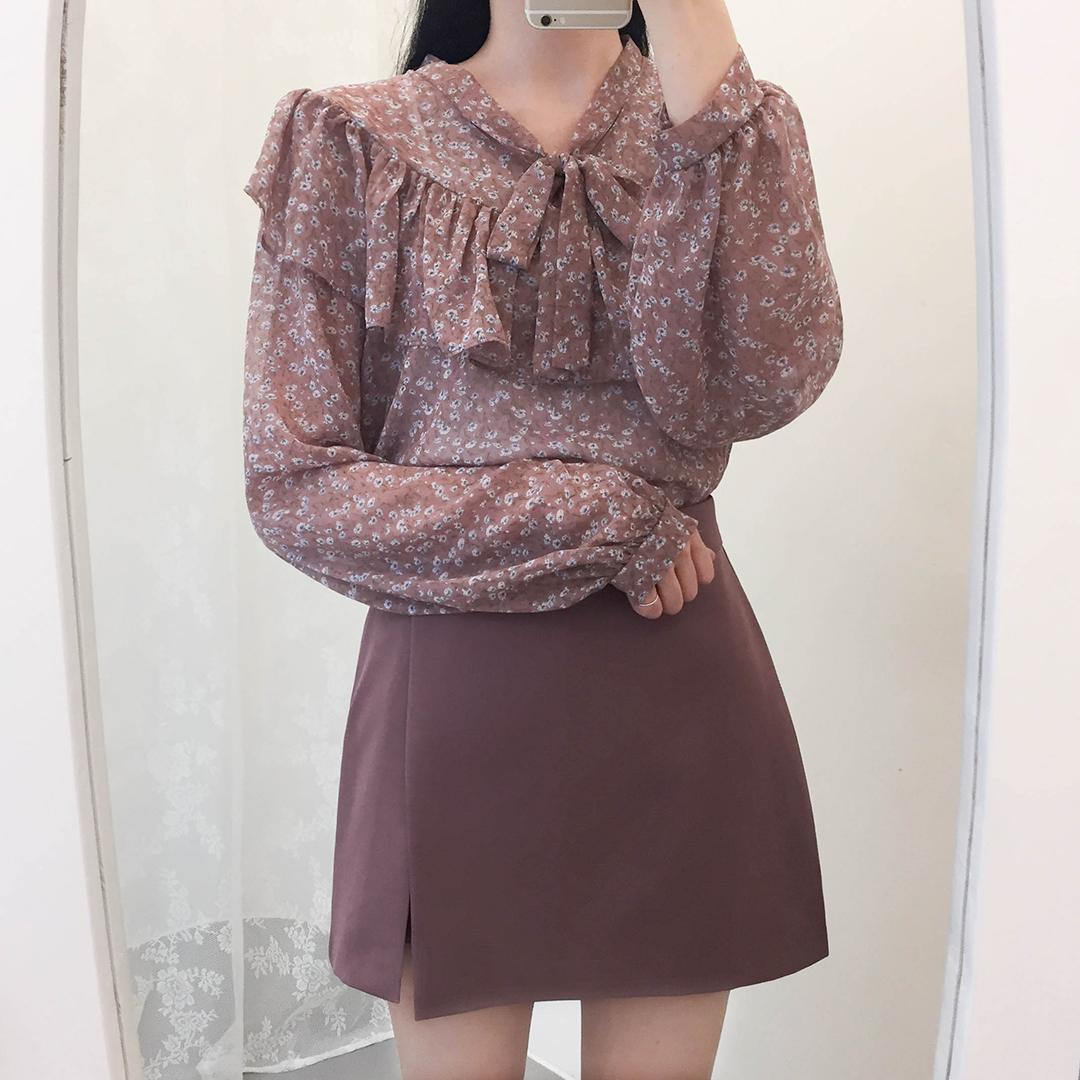 Twig ruffle ribbon blouse
