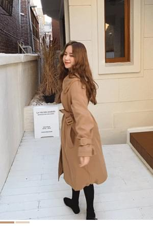 Chic lining fur trench coat
