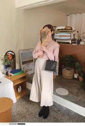 Knit Wrinkle Flared Skirt