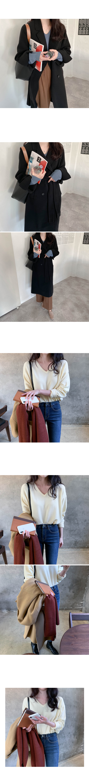 Draw V-neck loose fit knit