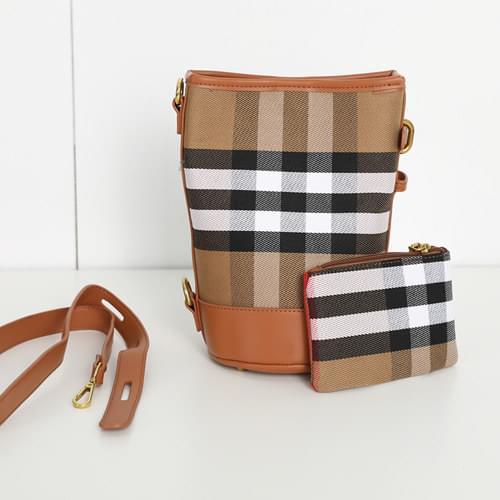韓國空運 - 皮革拼接格紋磁釦水桶包(附收納包) 肩背包