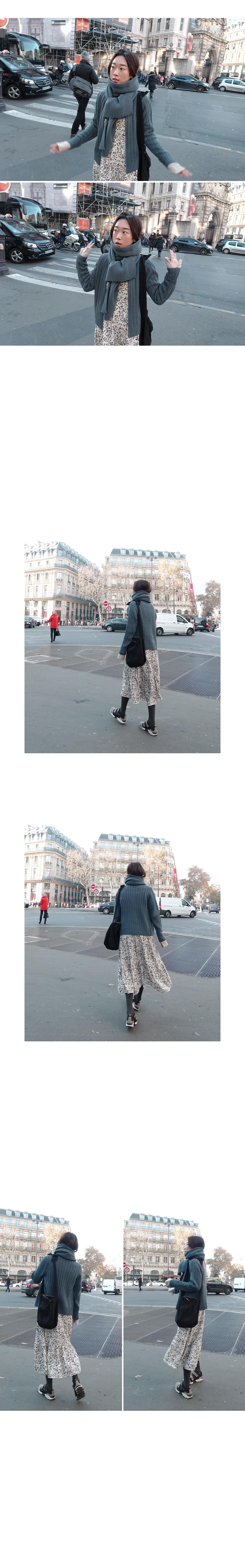 Parisien.CAFE-Cardigan & Muffler