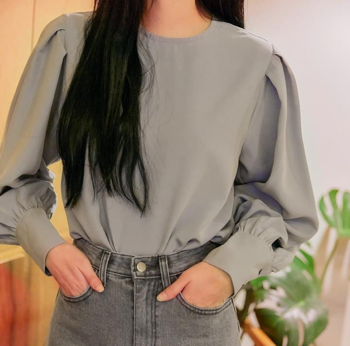 MEDIANG BALLOON CUFFS BLOUSE