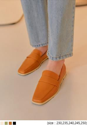 JIMMY SQUARE LEATHER LOAFER