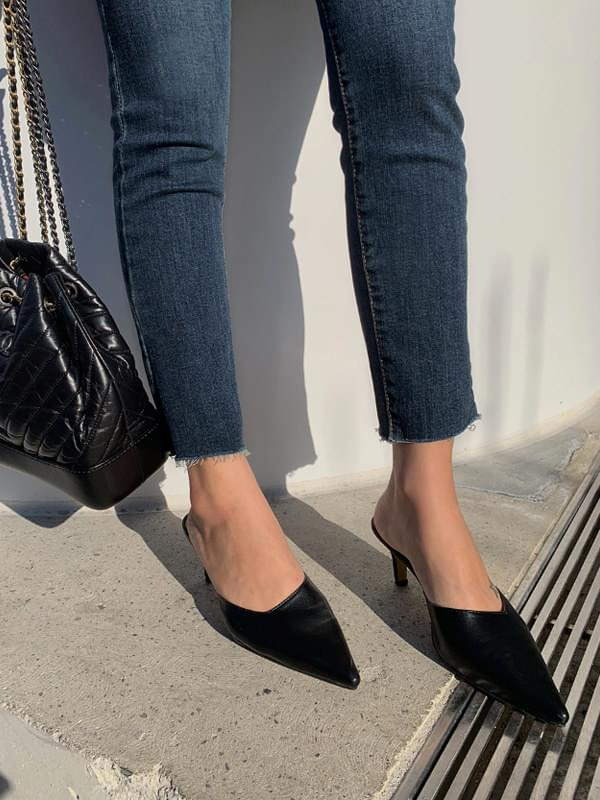 Slim Stiletto Mule