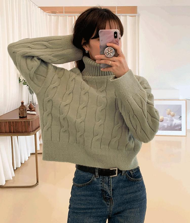 Twist cropped polar knit