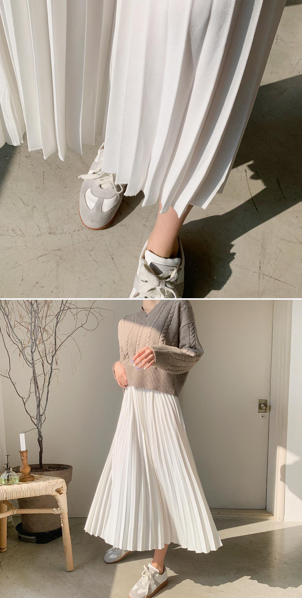 Yves pleated skirt