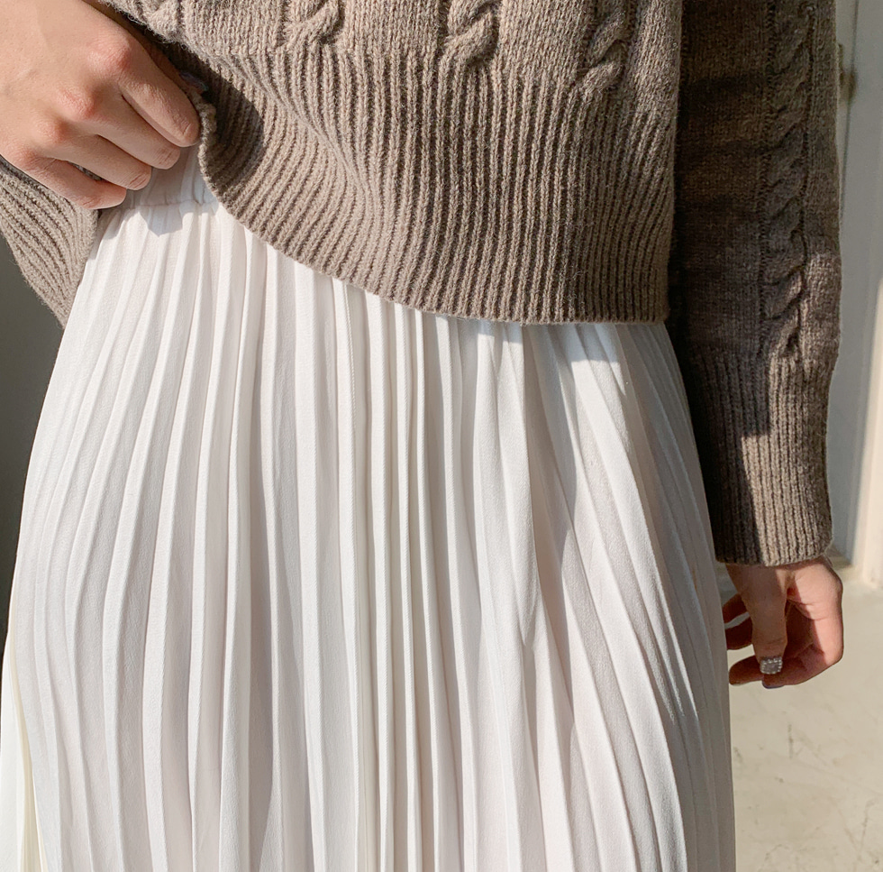 Yves pleated skirt