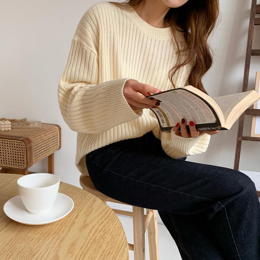 Lulu Goldi Round Knit