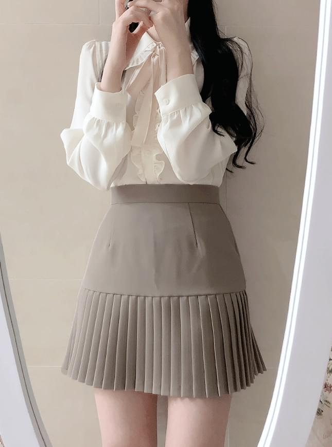 Charming pleated skirt
