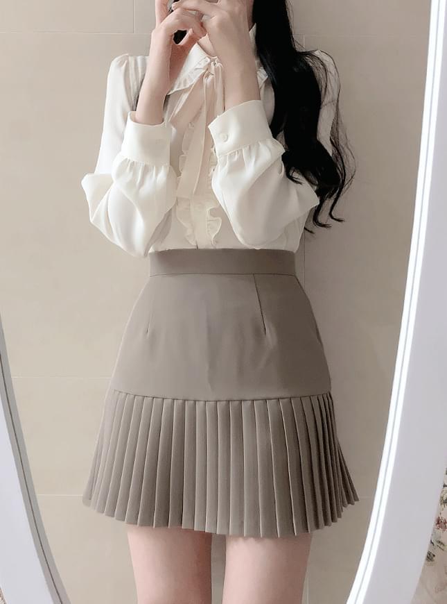 灰系/黑系 挺版合身百摺短裙