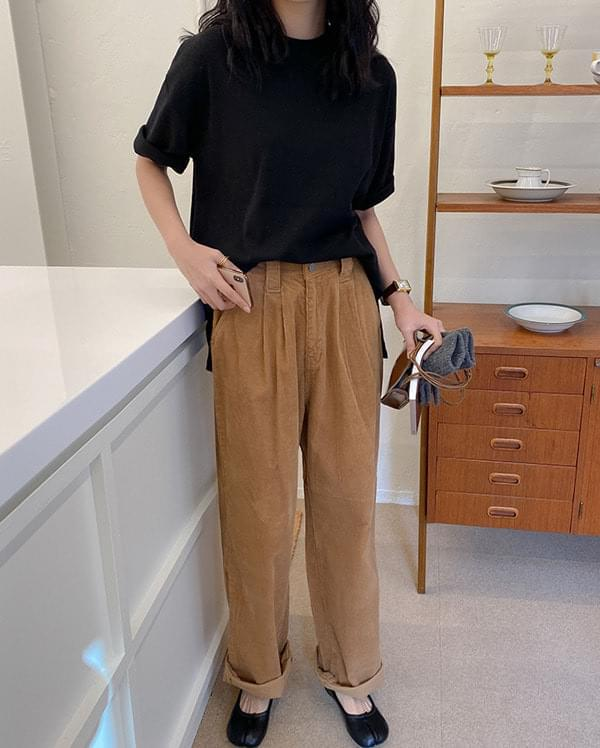 Double Chin Wide Golden Pants