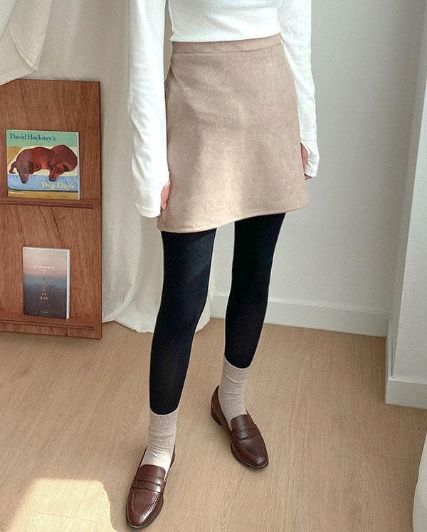 Suede banding mini skirt
