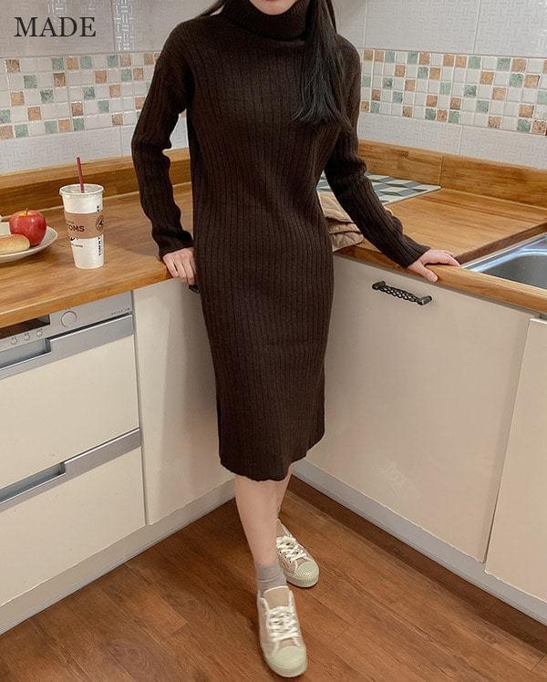 Brit High Neck Knit Dress