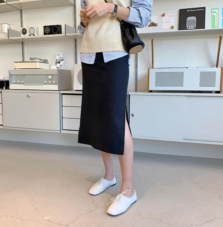 H slit skirt