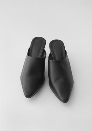 slim edge toe mule