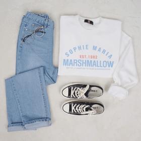 Marshmallow sweat shirt