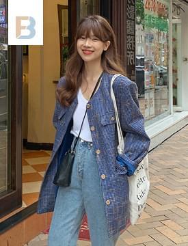 Over vintage tweed jacket