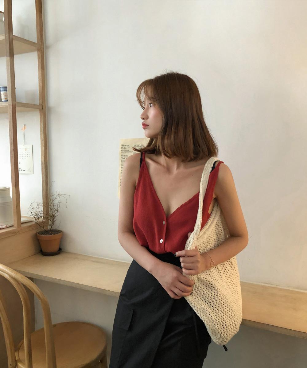 Front and back V-neck linen sleeveless