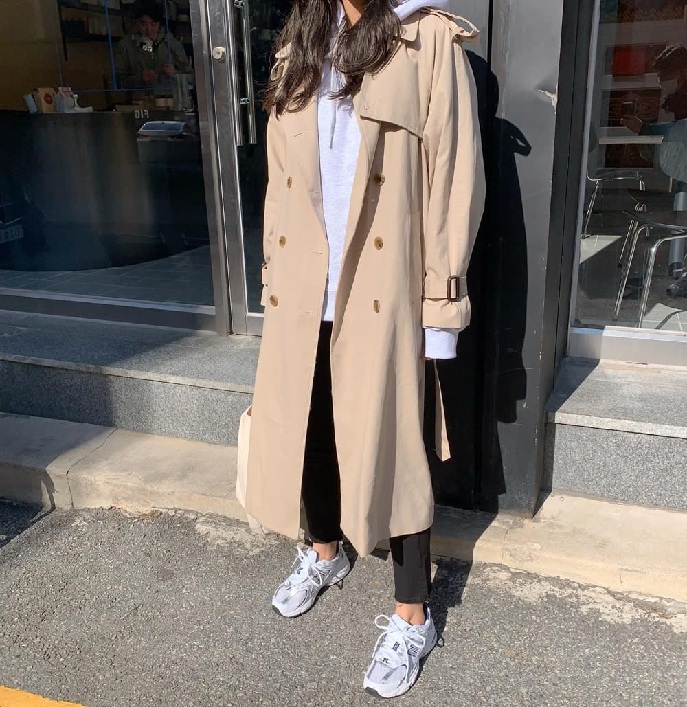 Raglan trench coat