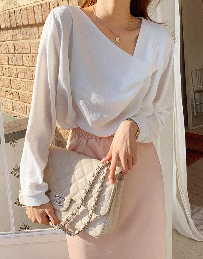 Flow shearing neck blouse blouses