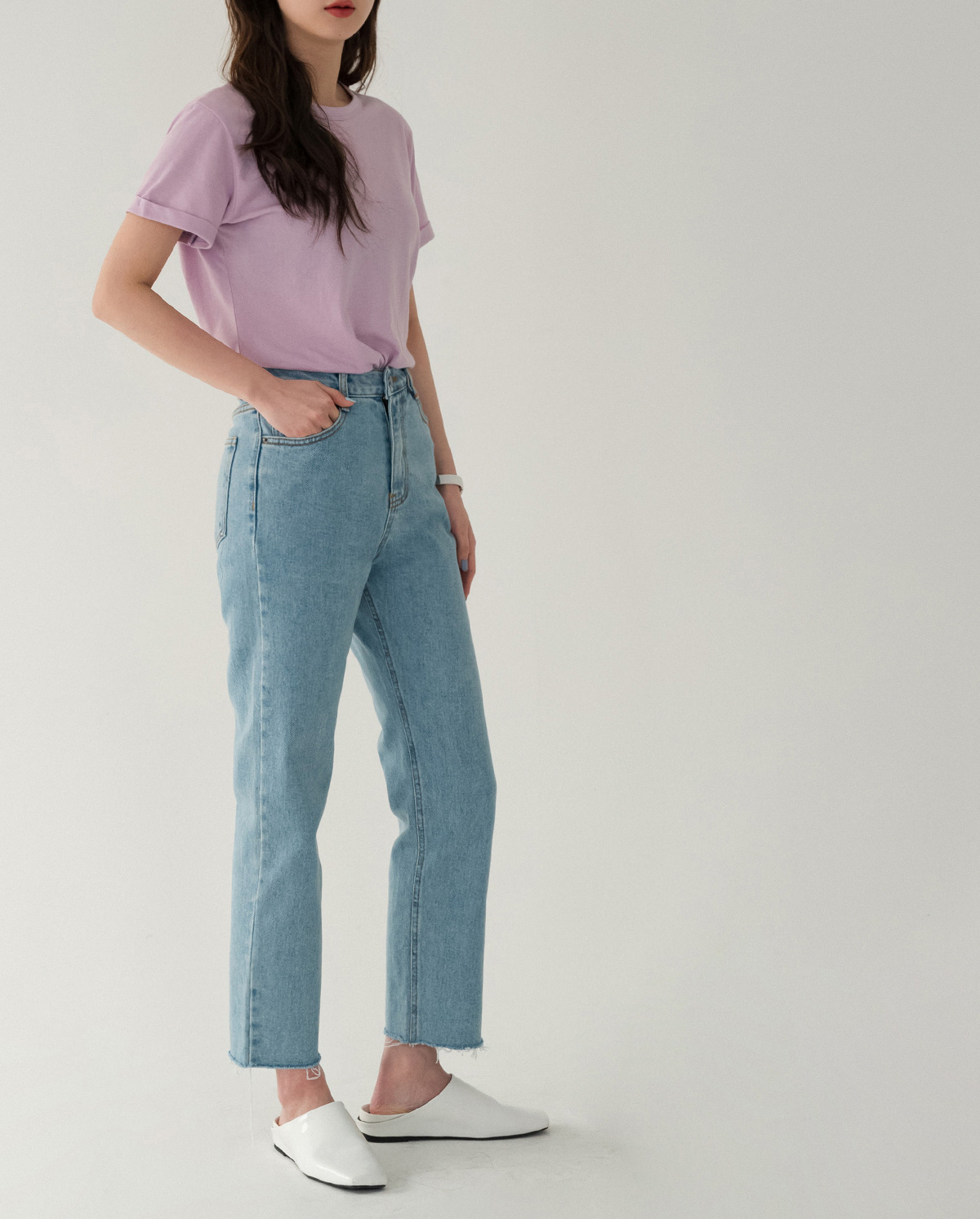 Simple straight fit cut jeans