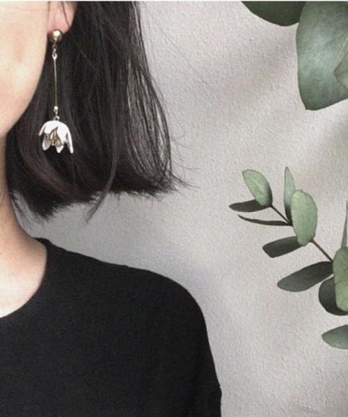 韓國空運 - D flower earrings 耳環