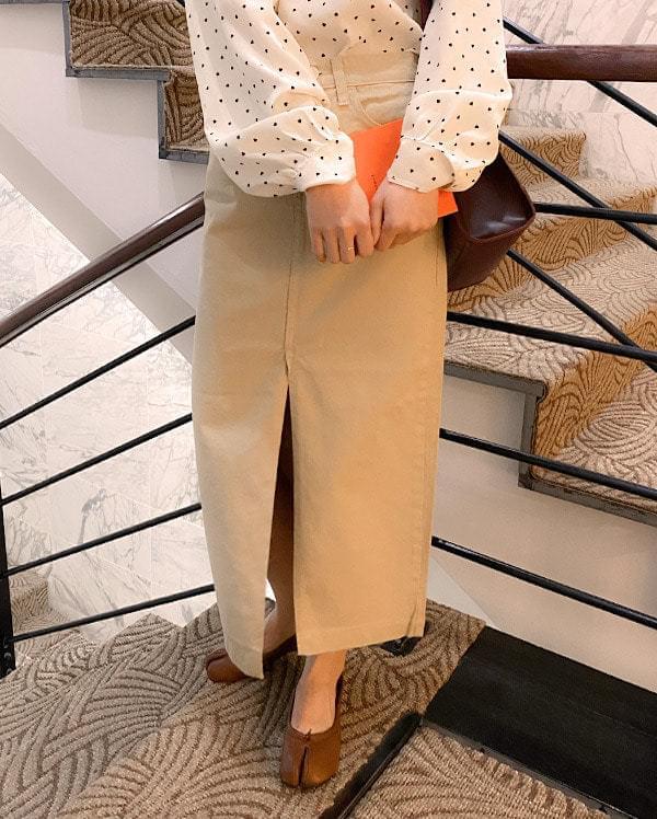 Side slit long skirt