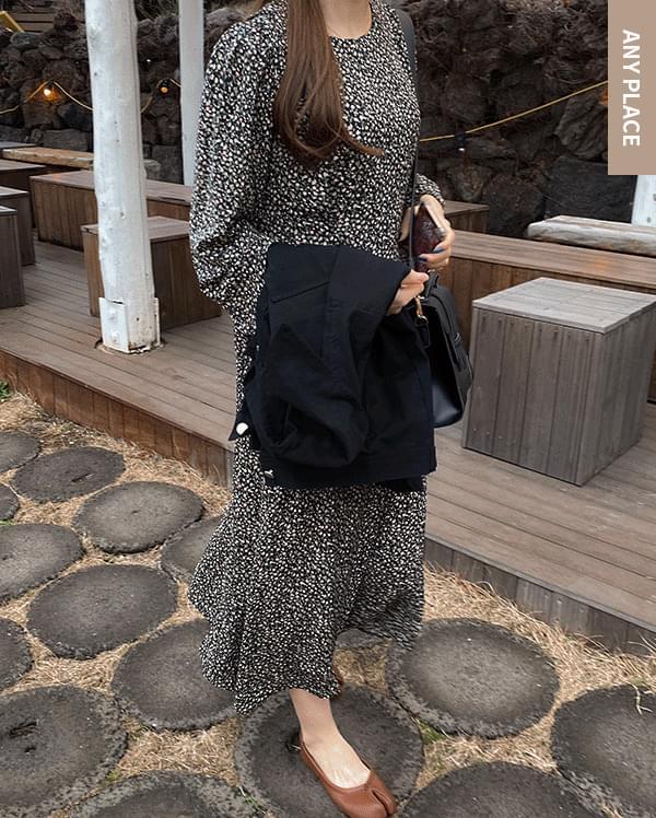 Sophie Flower Midi Dress