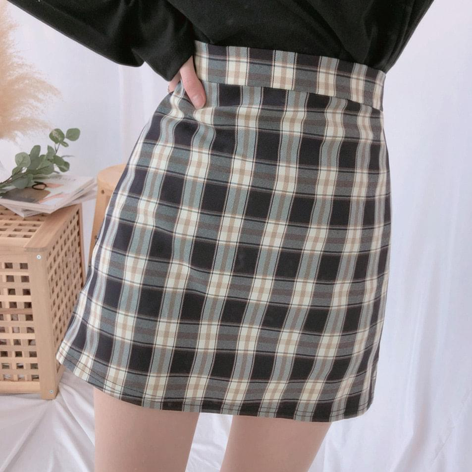 Amy Check Skirt