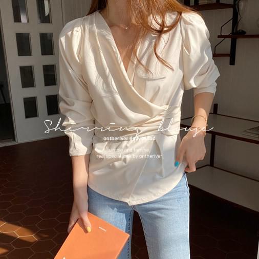 Feminine shirring blouse 襯衫