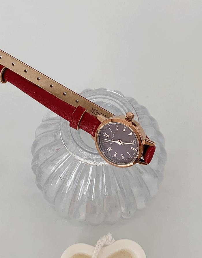 圆形表盘针扣带手表
