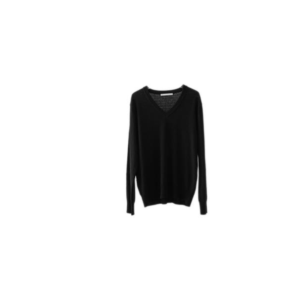 mild texture V-neck knit