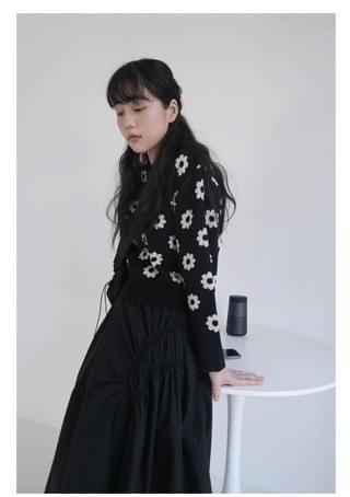 flower pattern semi crop knit ニット