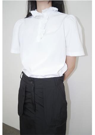 cut-off frill blouse ブラウス