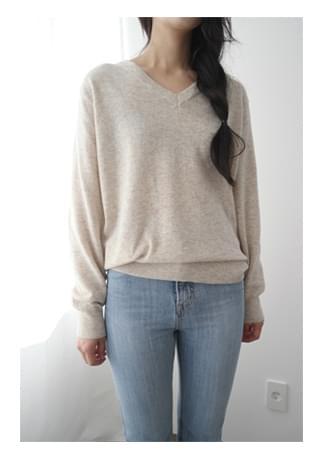 mild texture V-neck knit ニット