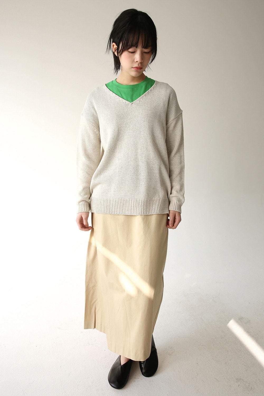 deep v neck wide knit