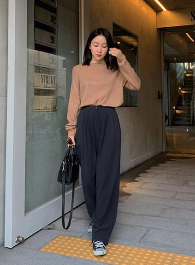 Pin tuck wide long pants