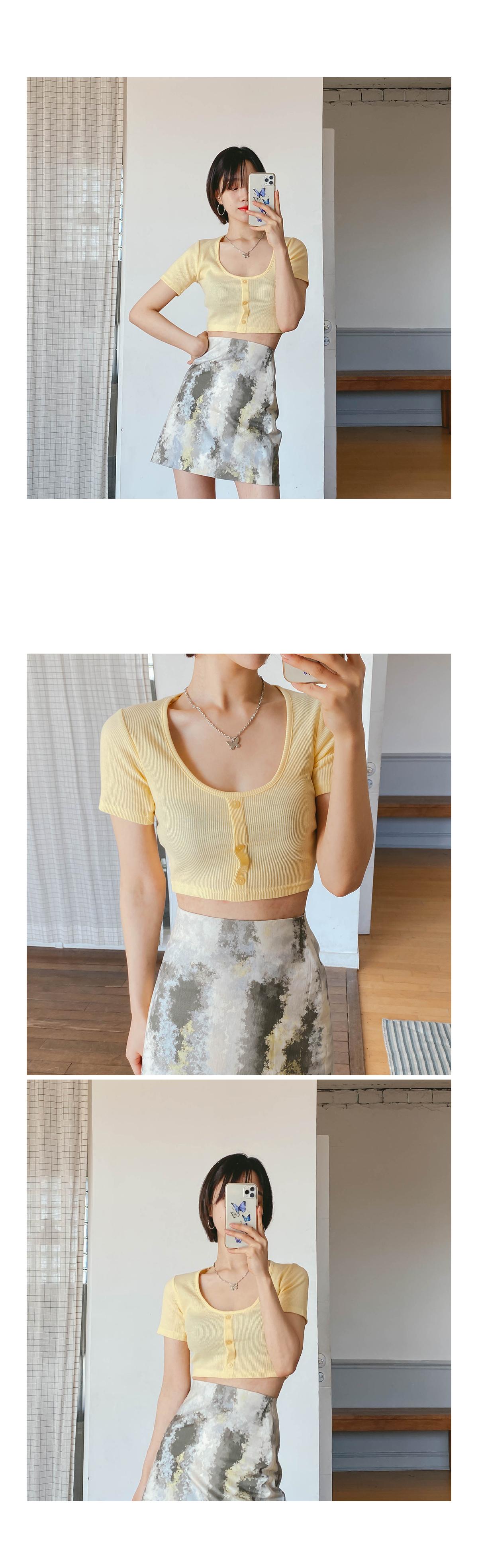 Cropsia Button T-shirt