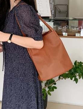 Pot simple shoulder bag_C (size : one)