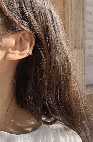 Zem No.436 (earring)