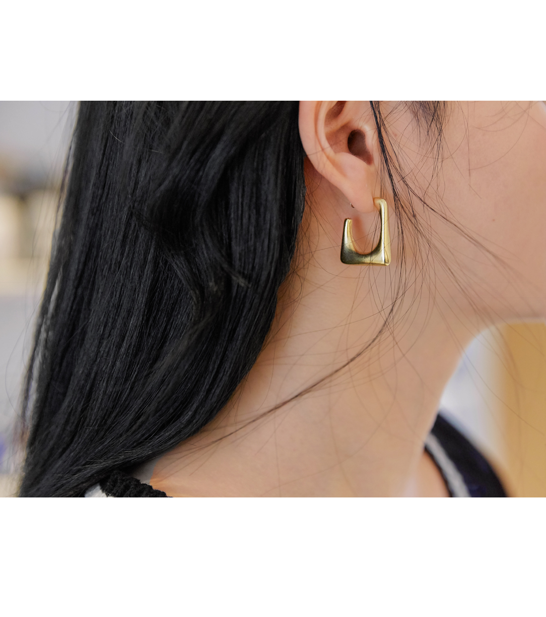 BAXTER MATT SQUARE EARRING