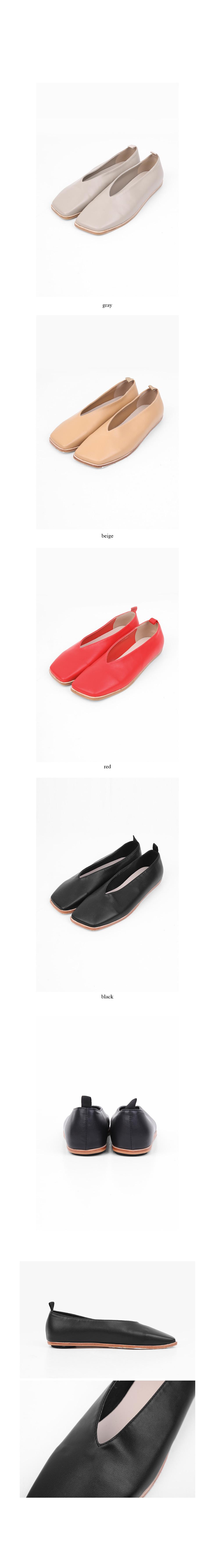 square wood flat shoes