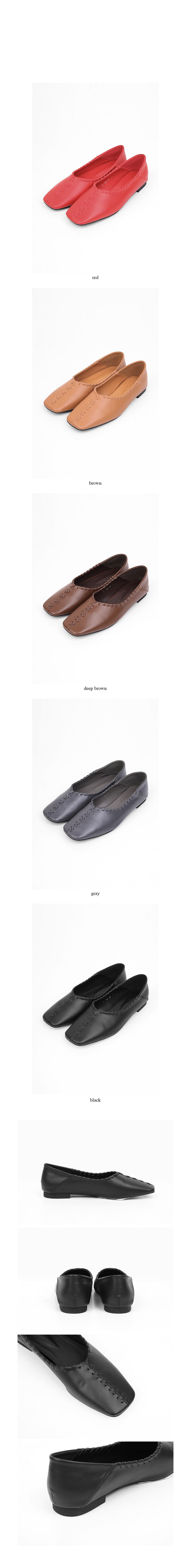 twist flat loafer