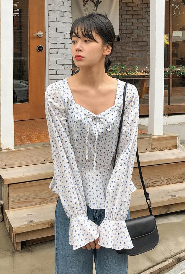 Flower ribbon blouse 襯衫